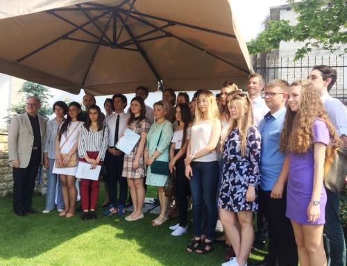 Zece tineri din ţară îşi vor face gratuit studiile universitare în Germania